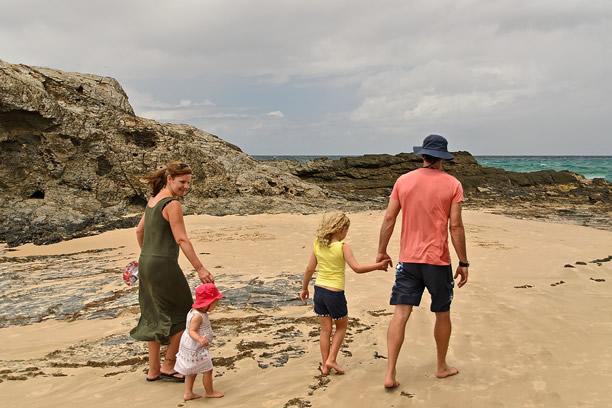 Bezpieczne wakacje z dzieckiem nad wodą